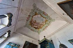 verzierte Decke im Bettzimmer des venetischen Villa