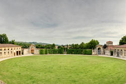 venetian villas in verona, toTo the exit in the park of the Venetian villa