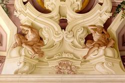 Pittura sul soffitto settecenteco di villa Perez