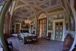 Settecentesche ville venete a Verona, sala da pranzo di villa Pompei